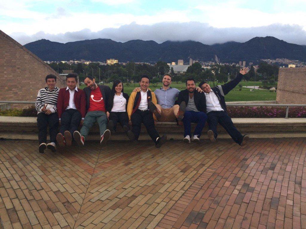Ryan, Carlos and the kids at Biblioteca Virgilio Barco
